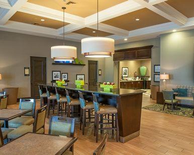 Hampton Inn Suites New Orleans Elmwood Hotel Harahan La Community Table