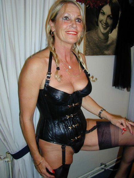 mature women naughty Amateur