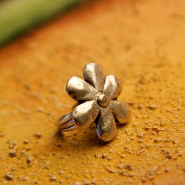 """Anéis, uma coleção """" INCRÍVEL """" disponível no site, todos banhados a prata e ajustáveis. CONFIRA !!!!!! http://www.hazineacessorios.com.br/aneis/anel-flora-cod-4125.html"""