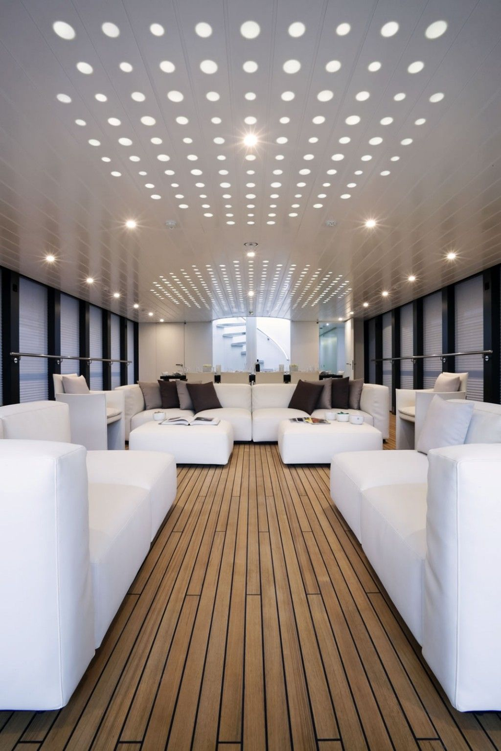 Boat interior norman foster yachts pinterest boats for Interior boat designs