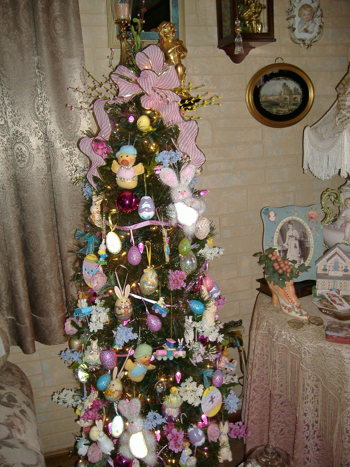 Easter Tree Holiday Tree Decorations Easter Tree Easter Craft Decorations