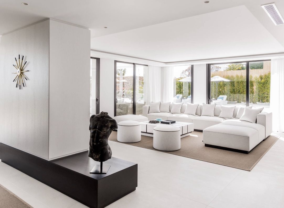 Luxury White Living Room Decor In Modern Style Contemporary White