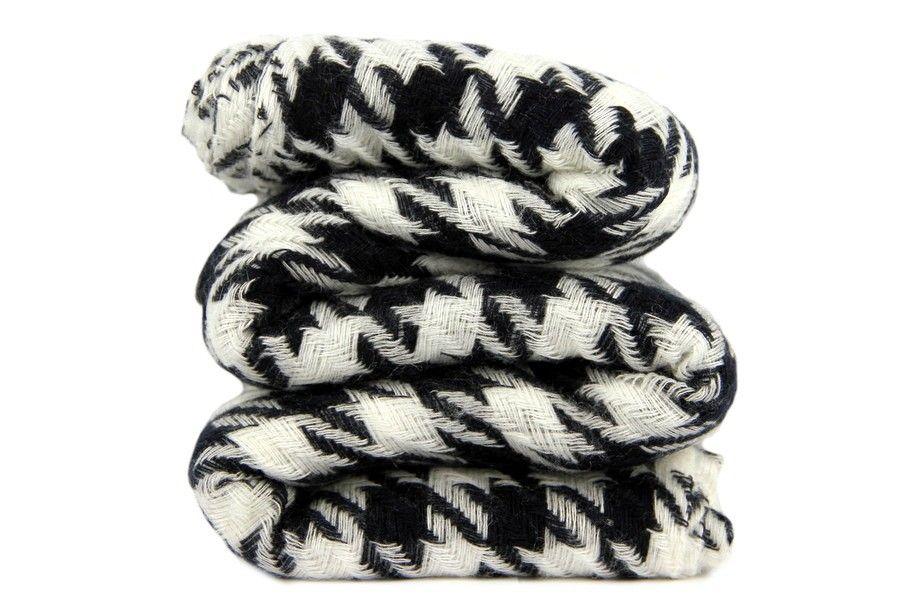 e876f624d9e9 Echarpe en cachemire damier noir et blanc cachemire.