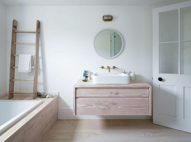 awesome ide dcoration salle de bain salle de bain pure blanche bois clair chelle