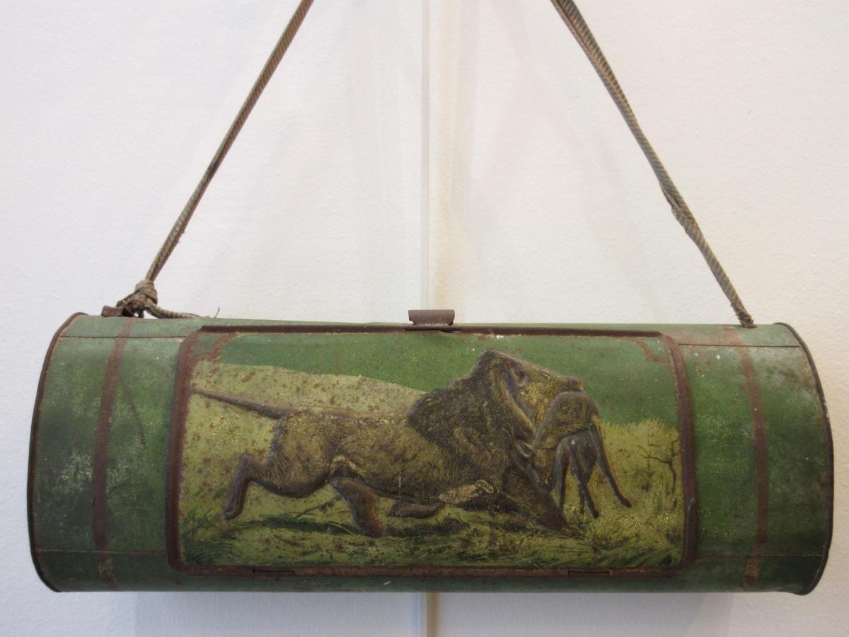 Boîte Dherboriste Décor Chasse En Tôle Xixème Antiquités