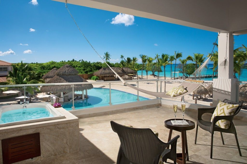 The Preferred Club Honeymoon Suite At Dreams Dominicus Is Perfect For Young Lovers All Inclusive Beach Resorts Family Friendly Vacation Beach Resorts