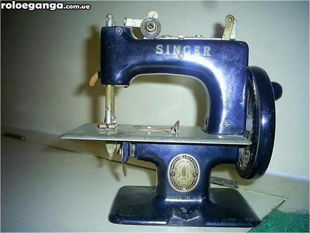 Maquinita de coser singer de colección