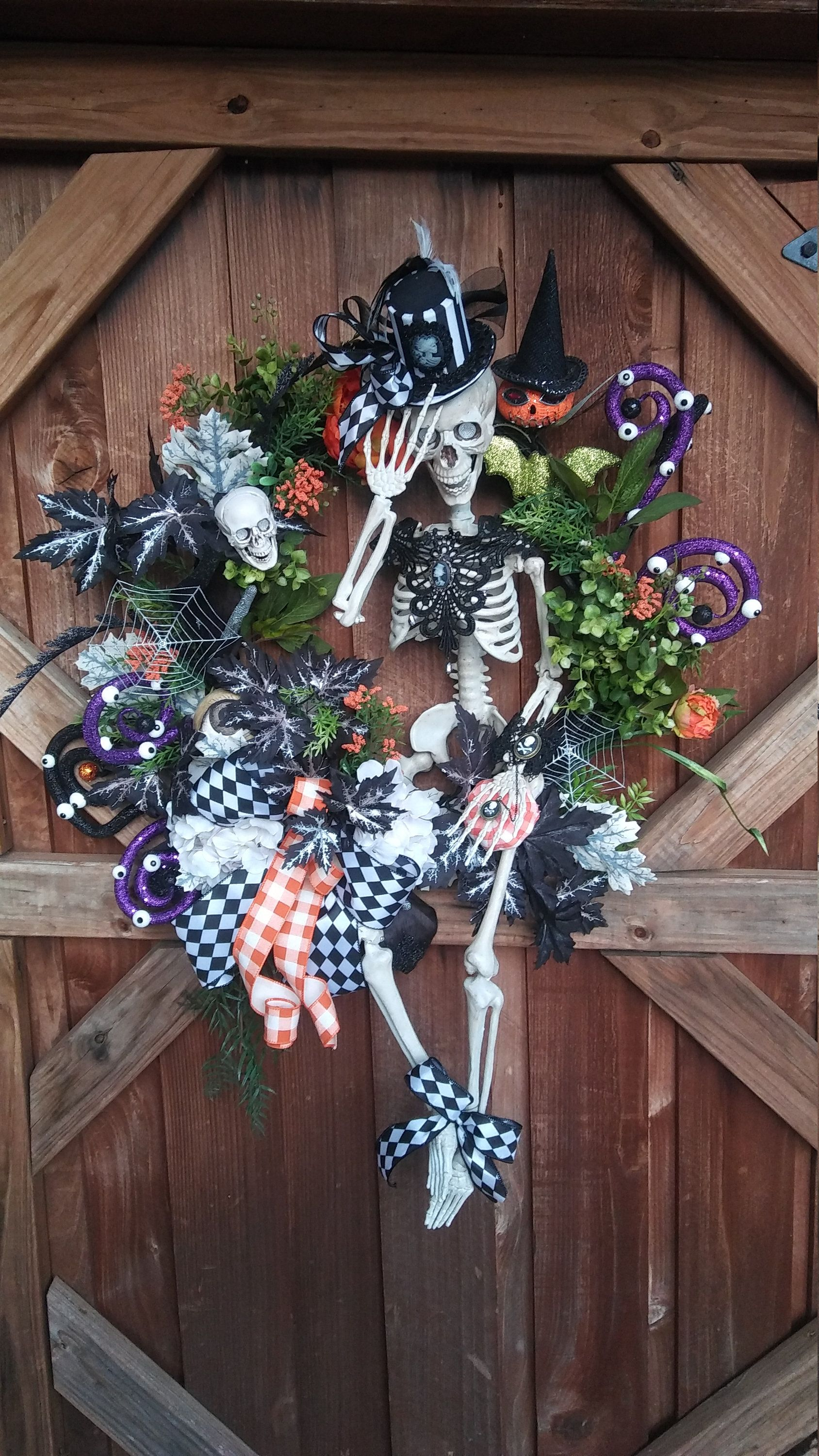 Skeleton Halloween Wreath Christmas wreaths, Holiday