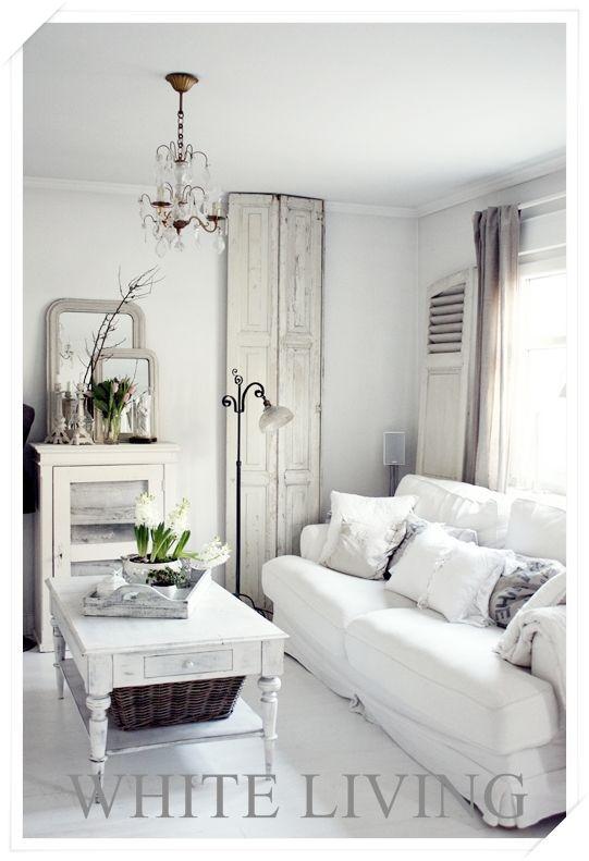 V i n ⓣ a g e  I n t e r i o r s - love the use of old doors for - wohnzimmer weis gestalten