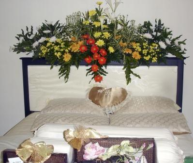 rias pengantin - rumah rias itut bambang   gambar bunga