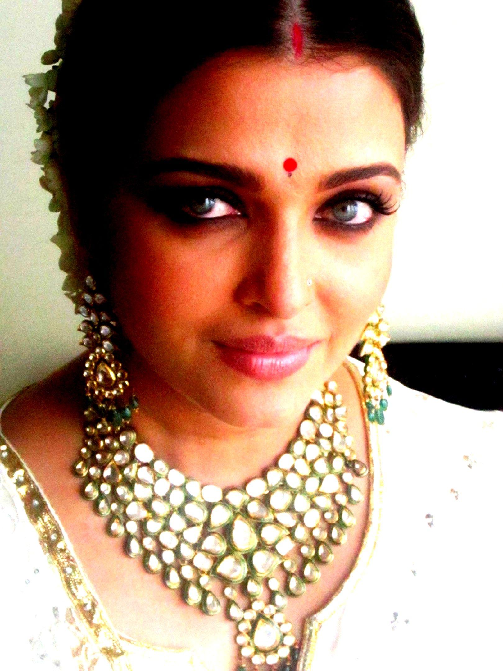 Aishwarya Rai Celebrity Jewelry Bridal Jewellery Indian Aishwarya Rai Bachchan
