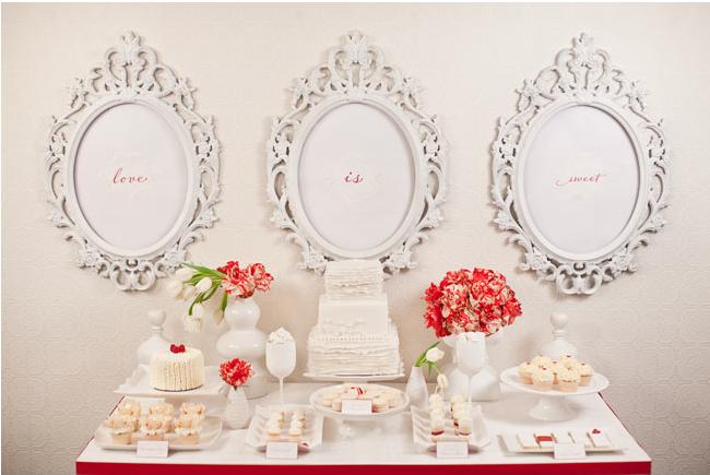 Pensando en San Valentín, decoración en blanco y rojo, para la mesa; y salmón para nuestros platos