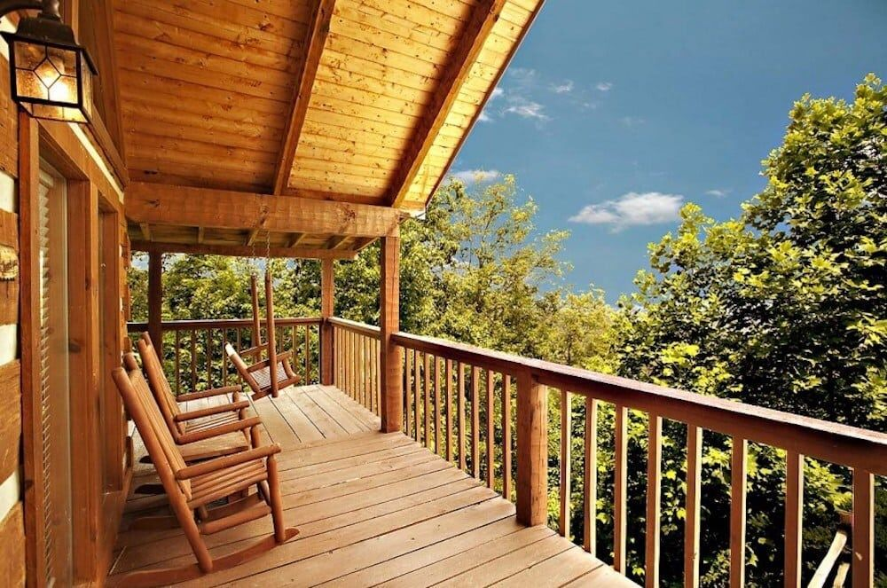 5 Benefits of Staying in Our Pigeon Cabins Near