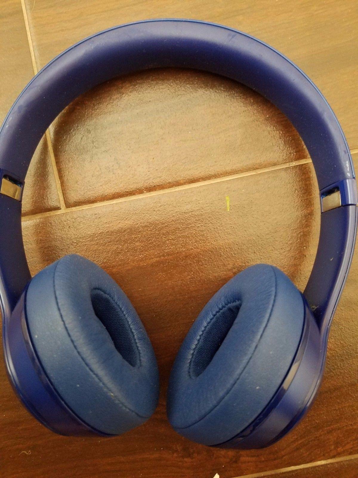 Blue Beats Solo2 Wired On-Ear Dr Dre Headphones - Works fine headphones & Cable  https://t.co/qKuZBlO5KS https://t.co/Ov8mSdtWGm