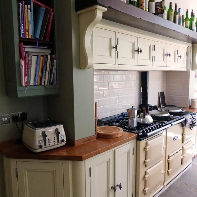 Best Kitchen In House White And Card Room Green Kitchen 400 x 300