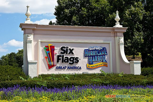 Six Flags Great America Entrance Sign With Images Great