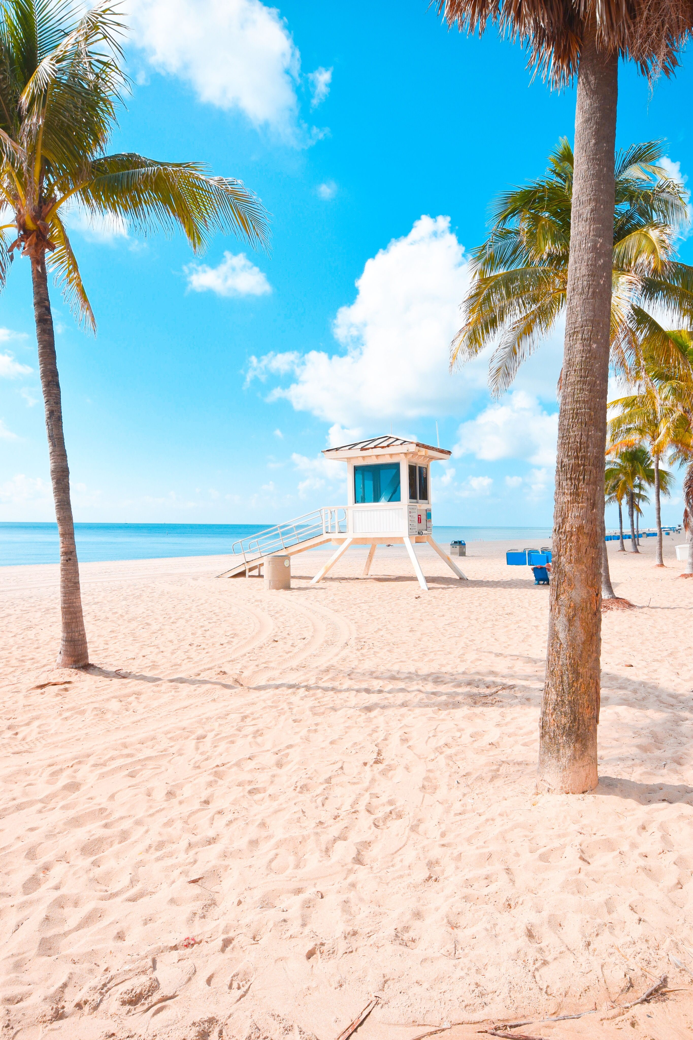 Blue Skies And Beautiful Beaches Are Everywhere In Fort Lauderdale Beautiful Beaches Paradise Tropical Beach Vacations Summer Beach Pictures
