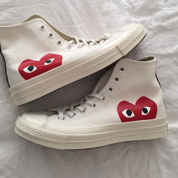 bb665814a265 Comme des garçon play converse Brand new never worn they are a half size  too big for me! Size 7 men s which is a size 9 woman s in Converse.