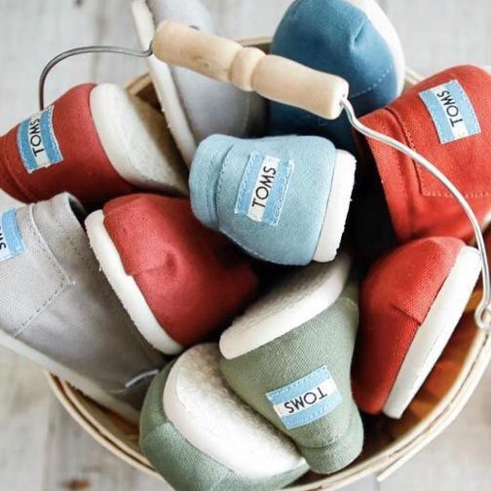 #toms #shoes #officeshoes http://www.officeshoes.hu/cipok-toms/3083099/24/