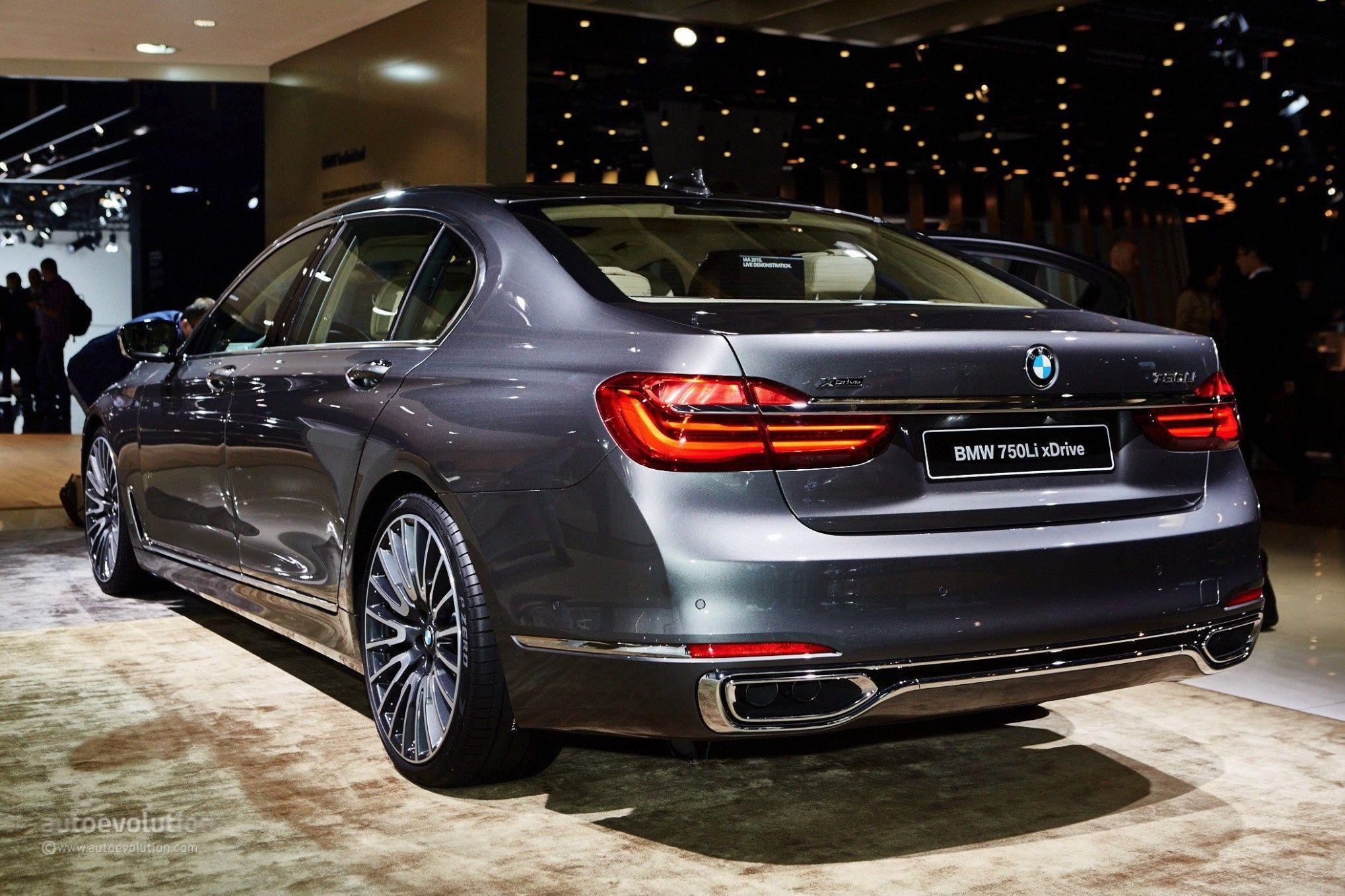 2021 BMW 750Li Speed Test