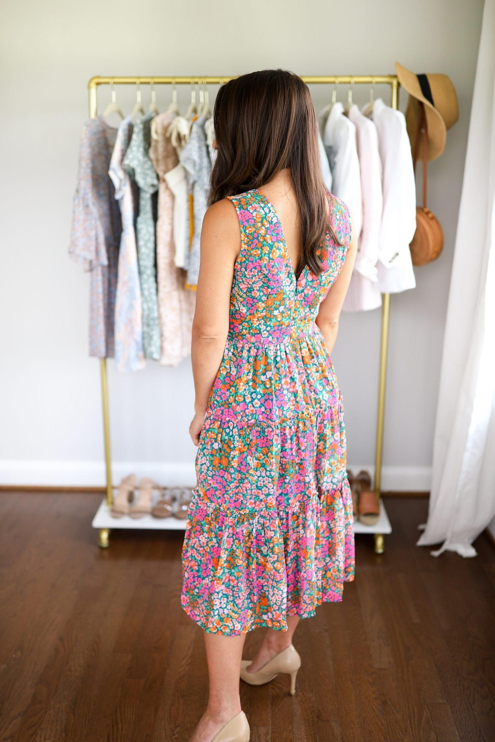Fashion Tips Quotes Spring And Summer Wedding Guest Dresses Petite Style Blogger Petite Dresses Summer Dresse Fashion Fashion Blogger Petite Edgy Fashion [ 2560 x 1707 Pixel ]