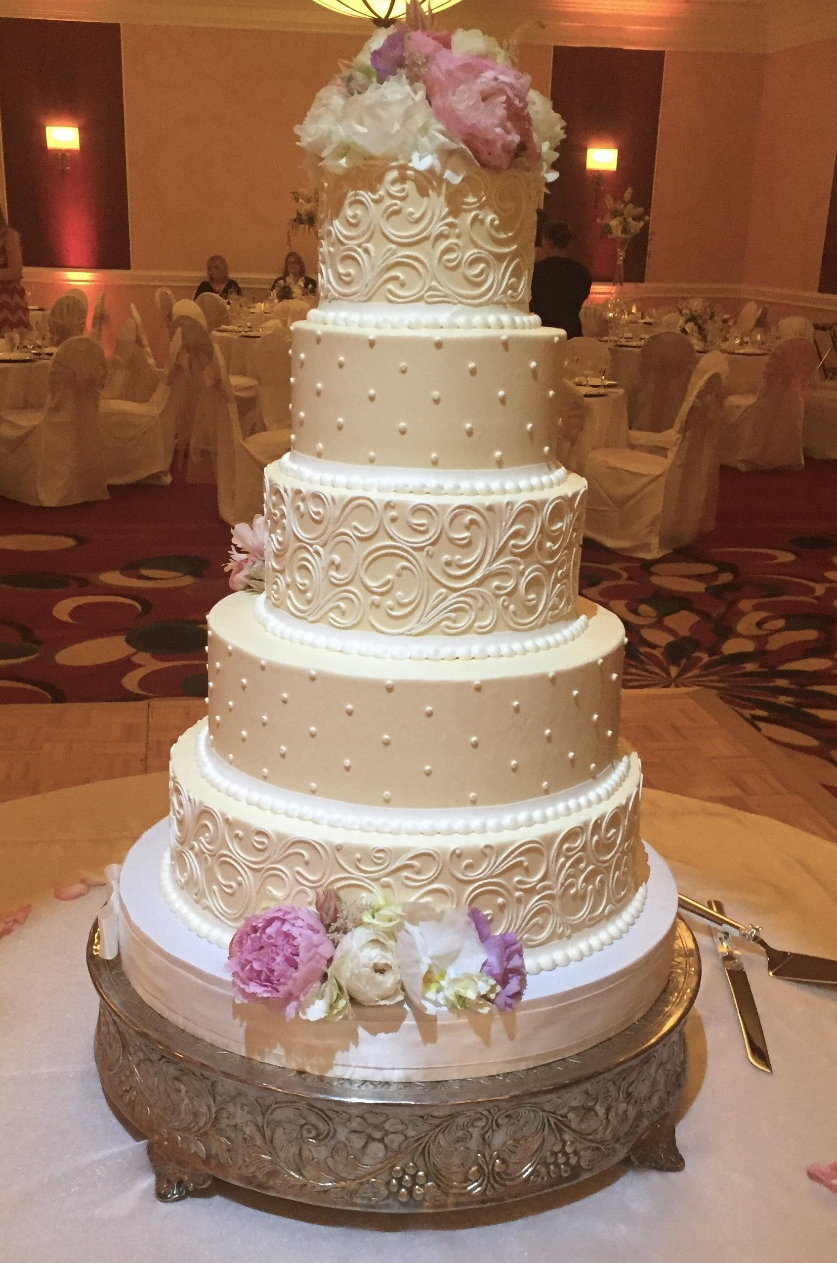 Pin by Beverly Ward on Wedding Wedding anniversary cakes