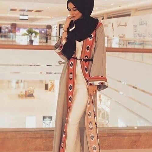 Abaya style with a Moroccan twist vía @HauteElan    #ConGuantesySombrero #fashion #look #style #muslim #hijab #abaya