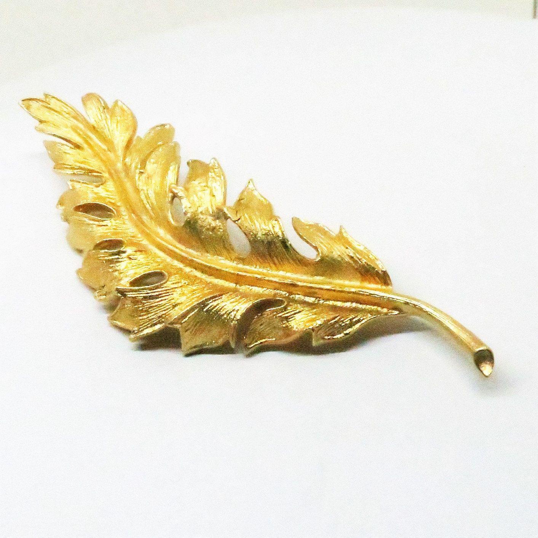 Vintage Coro leaf pin  brooch