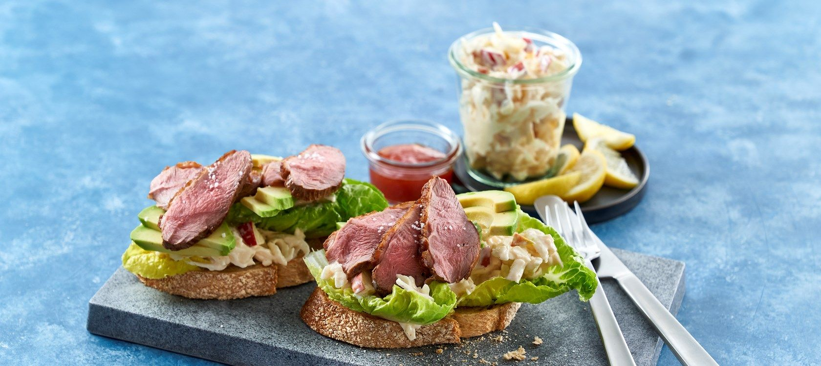Sandwich med stegt andebryst - Få Opskriften nu på Arla.dk