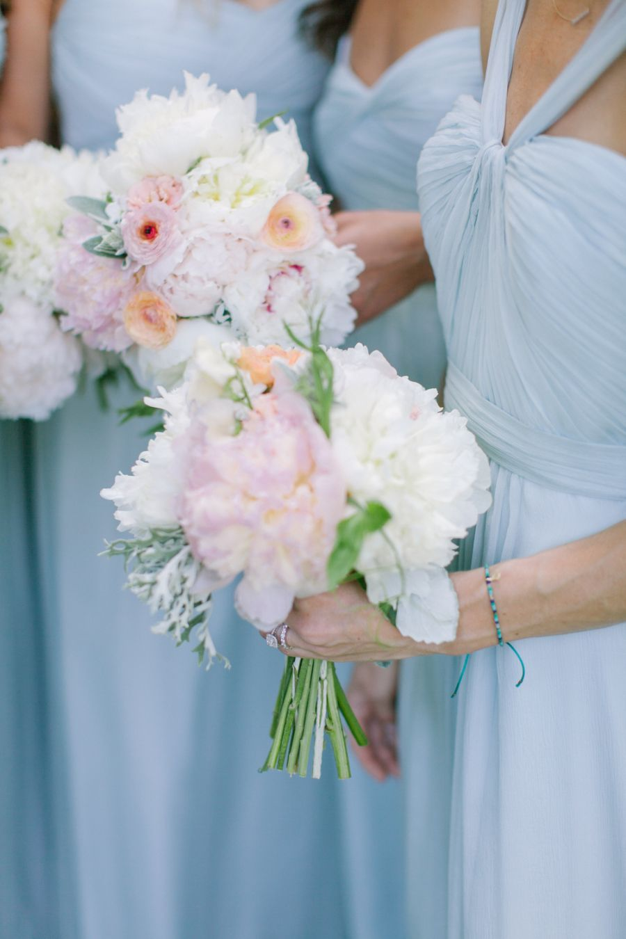 When classic blue china inspires your wedding day bouquet