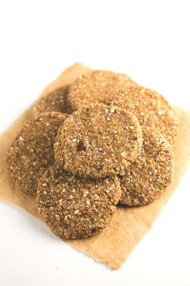 Simple Vegan Dehydrated Cookies Recipe In 2020 Vegan Chocolate Cookies Raw Dessert Recipes Raw Food Detox