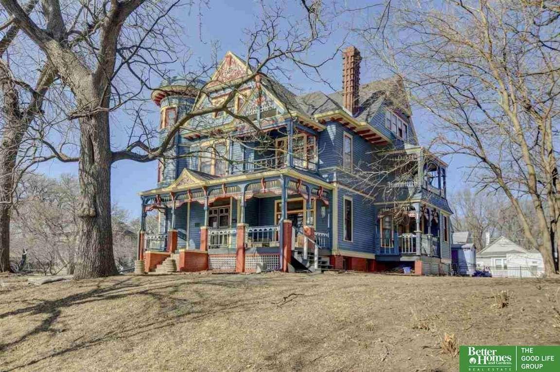 1889 Queen Anne In Omaha Ne 385 000 Old House Dreams In 2020 Old House Dreams Historic Homes Nebraska