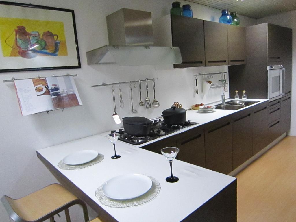 Cucina modello bonjour di aiko outletmobili italia il for Aiko cucine