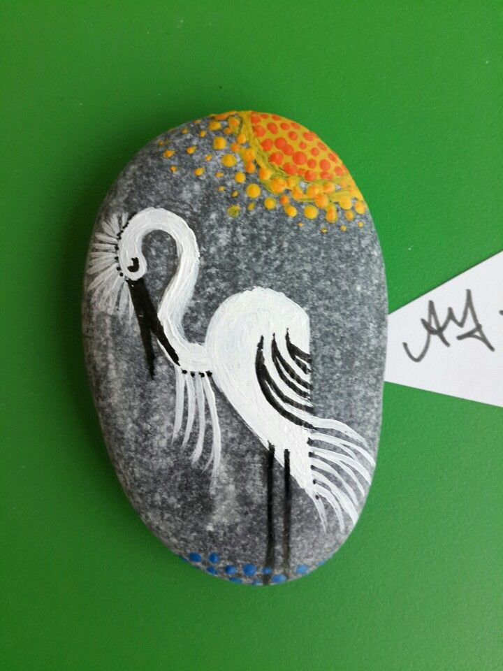 heron in the pond, acrilic paint on a pebble