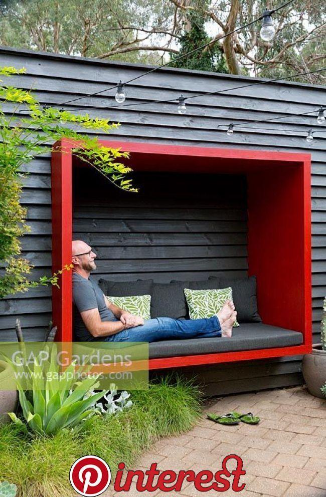 Sitzplatz am Zaun - #bank #Sitzplatz #Zaun #zaunideen