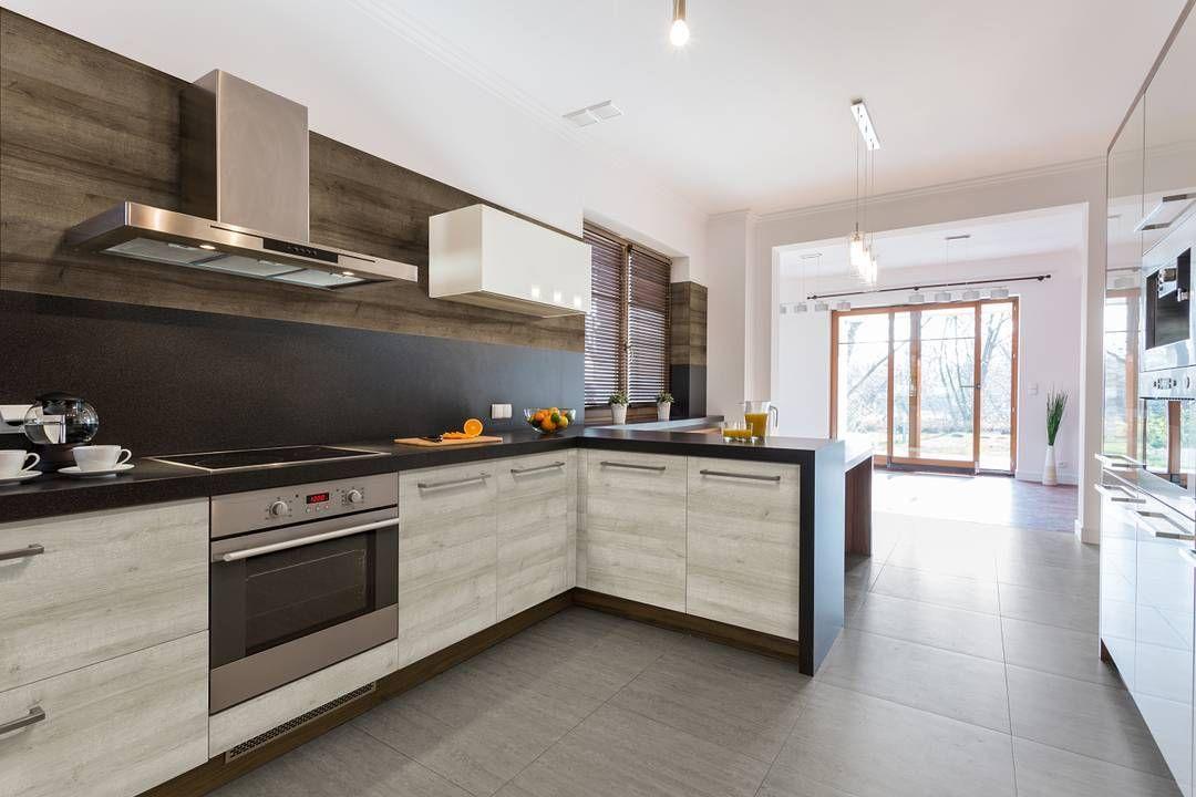 Beautiful Kitchen Installation Featuring Uniboard Nizza Lower Cabinets And Monaco Wall Panel Stylish Kitchen Popular Kitchen Designs Open Plan Kitchen Diner