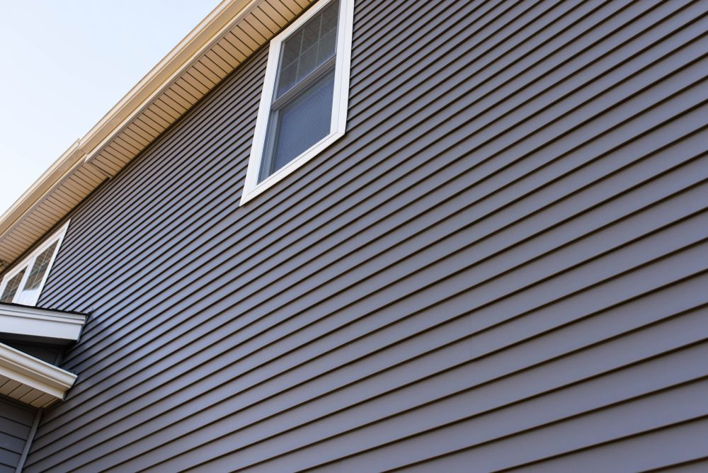 The Ideal Weather To Start With Siding Work Vinyl Siding Vinyl Siding House Vinyl House