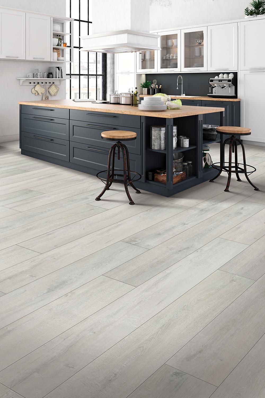 Denali Oak In 2020 Grey Laminate Flooring Kitchen Grey Laminate