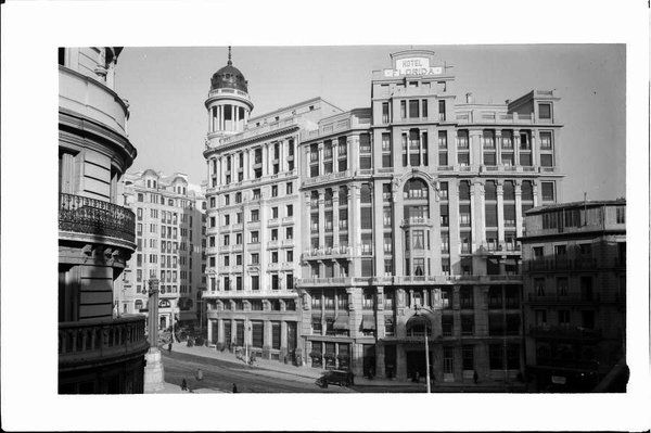 """Penny en Twitter: """"Hemingway se hospedó aquí #Madriddesaparecido https://t.co/YByM9vTTcX https://t.co/sLIUKUH091"""""""
