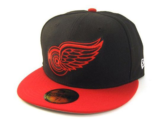 timeless design 1a100 a86ce Custom Red Black Detroit Redwings 59Fifty Fitted Cap by NEW ERA x NHL  Fitted Baseball Caps