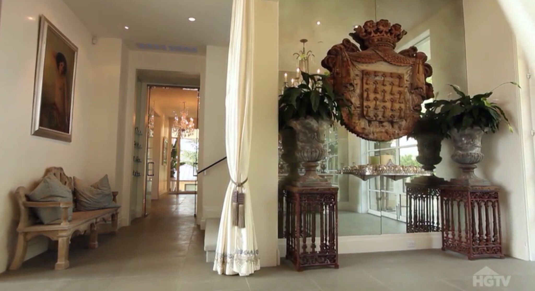 Beverly Foyer Mirror : Villa rosa foyer lisa vanderpump home lvdp just