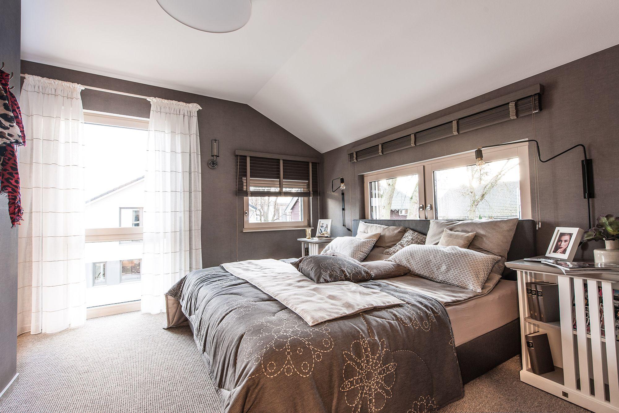 Wohnideen - gemütliches Schlafzimmer in Grau- und ...