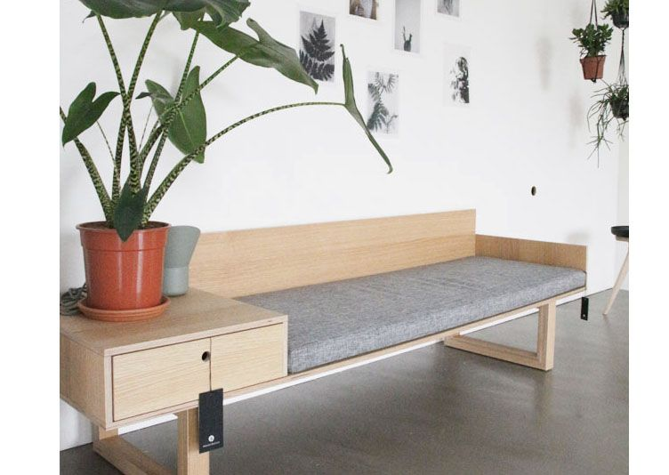 Sofa japonais de style japonais canap mains courantes en for Meuble japonais montreal