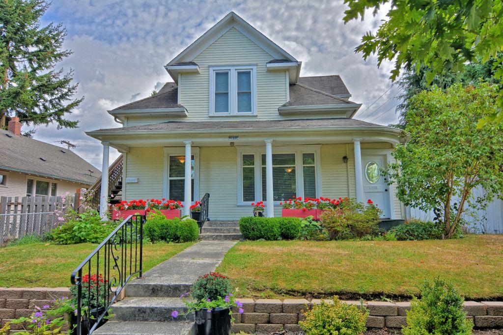 Legal DUPLEX For Sale Everett WA. Open House Sunday 9/13