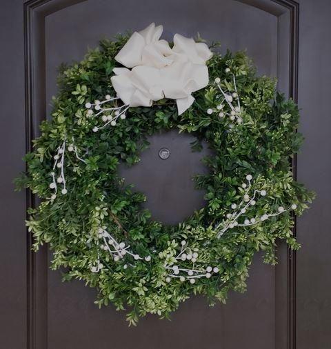 Boxwood DIY Christmas Wreath DIY Christmas, Wreaths and Wreaths crafts - christmas wreath decorations