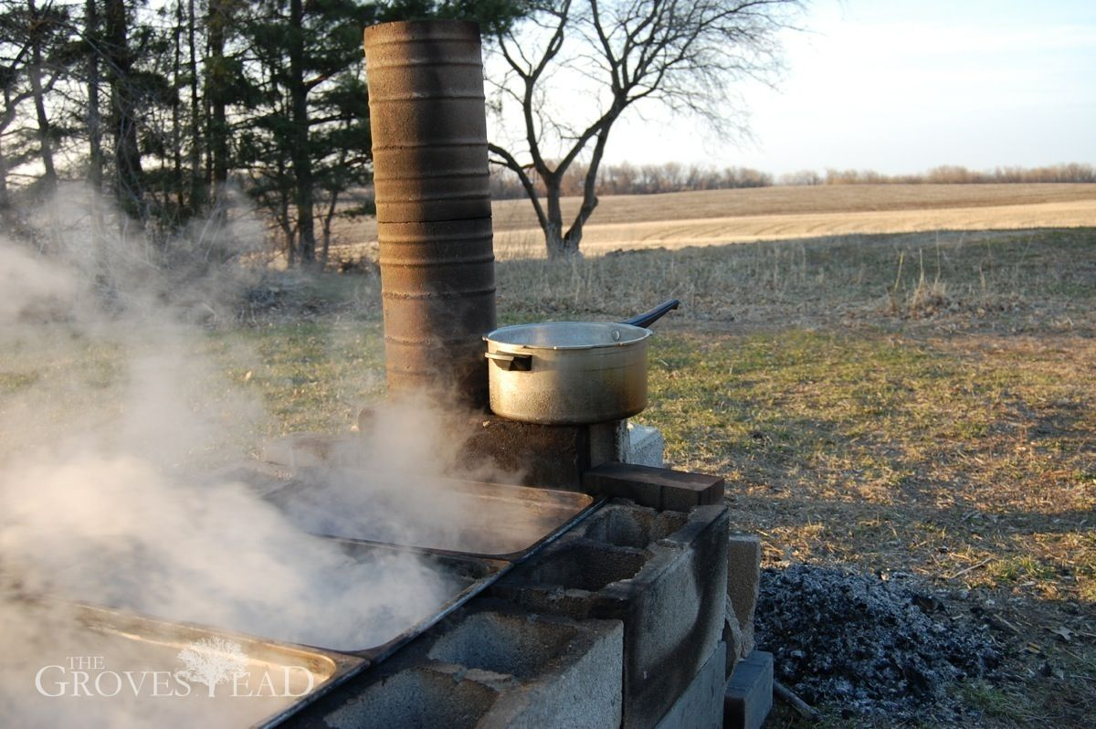 Evaporator pre-warming sap in separate pan | Maple syrup ...