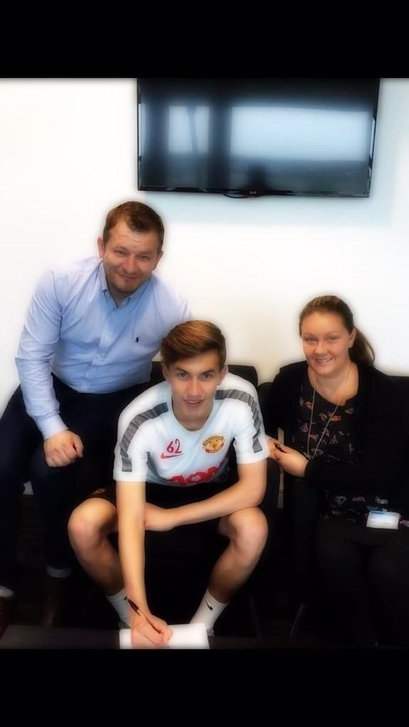Callum Gribbin All Smiles Signing Professional Man United Contract All Smiles The Unit Professional Men