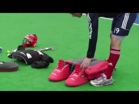 Goalkeeping Diving Youtube Https Www Pinterest Com Usatrendingsports Field Hockey Goalie Goalkeeper Training Field Hockey