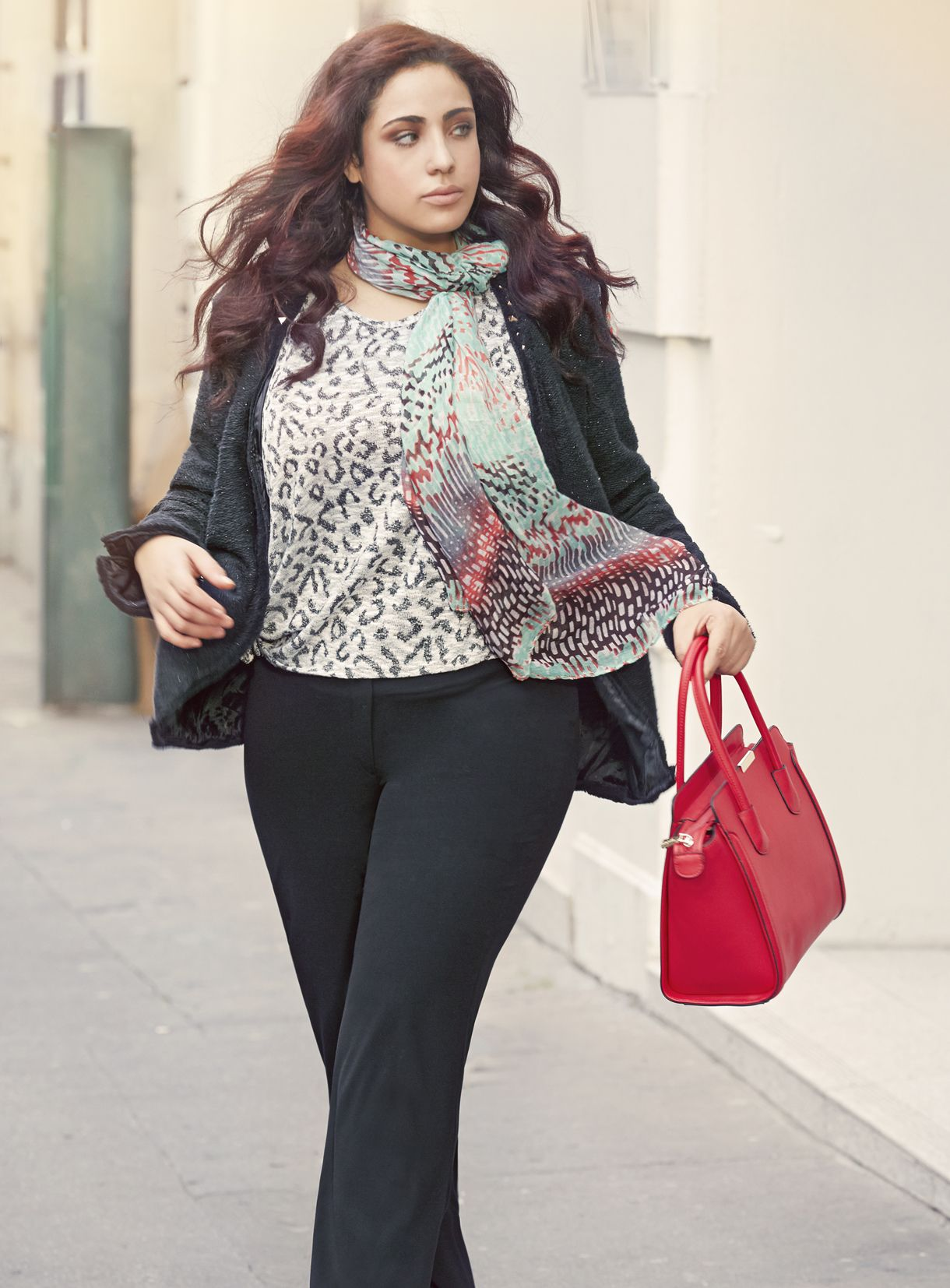 Elegante Mode In Grossen Grossen Modische Business Outfits In Ubergrosse Plus Size Fashion Plus Size Blazer Work Loo Elegante Mode Modische Outfits Outfit