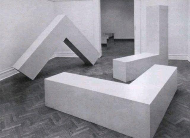 Robert morris s t 1965 minimal art minimal art for Minimal art installation